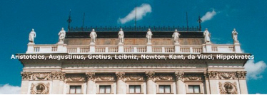 Karl-Franzens University Graz, centre with 8 figures